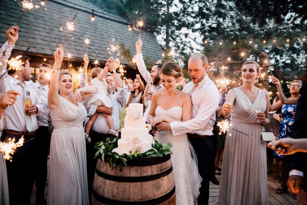Mẹo nhỏ giúp bạn tổ chức đám cưới tiết kiệm nhưng vẫn đầy đủ 2