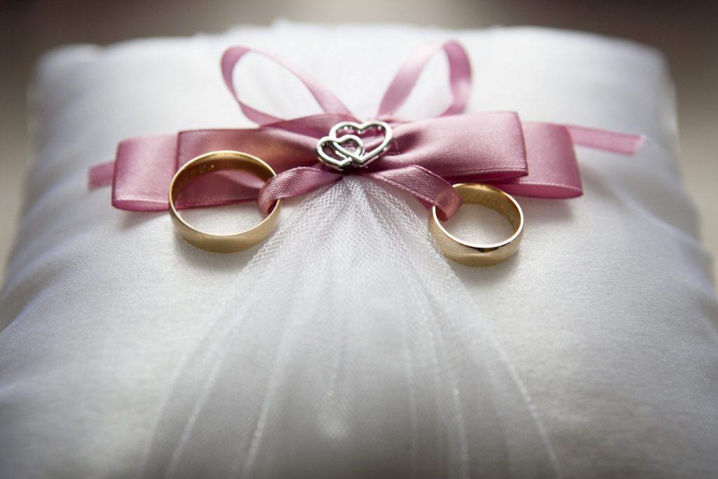 Mẹo nhỏ giúp bạn tổ chức đám cưới tiết kiệm nhưng vẫn đầy đủ 1