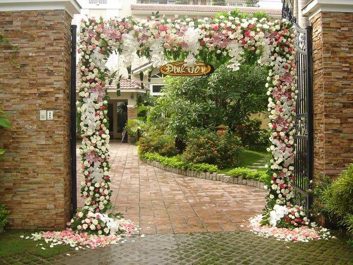 Trang trí nhà cưới bằng hoa sao cho đẹp mắt 4